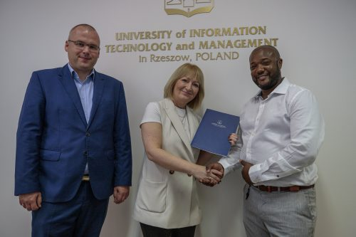 UITM signed an agreement with S&M Consultancy